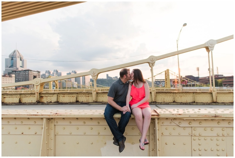 Downtown Pittsburgh engagement at sunset by Madeline Jane Photography