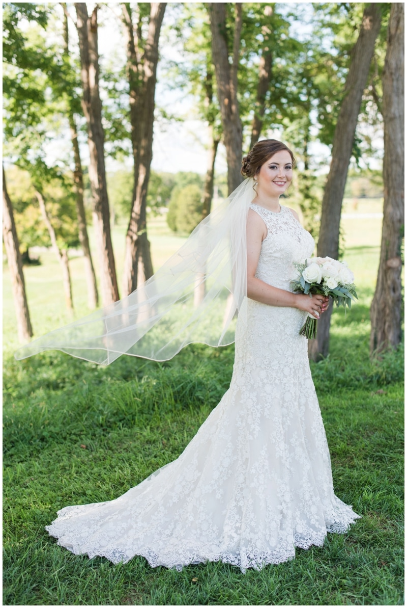 Timeless fall wedding at the Oasis Golf Club in Loveland Ohio by Madeline Jane Photography